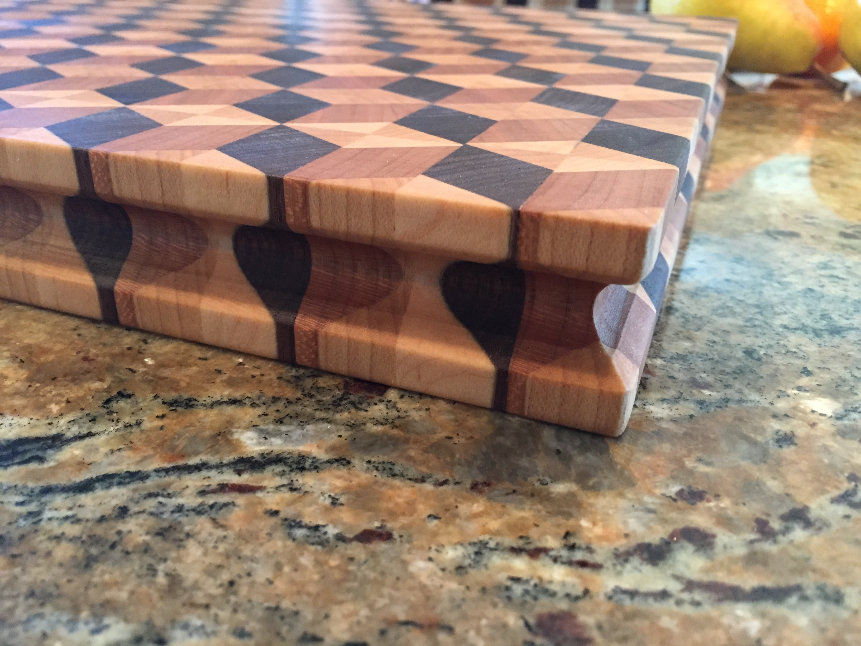 #17 Rectangular serving/cutting board 3D illusion