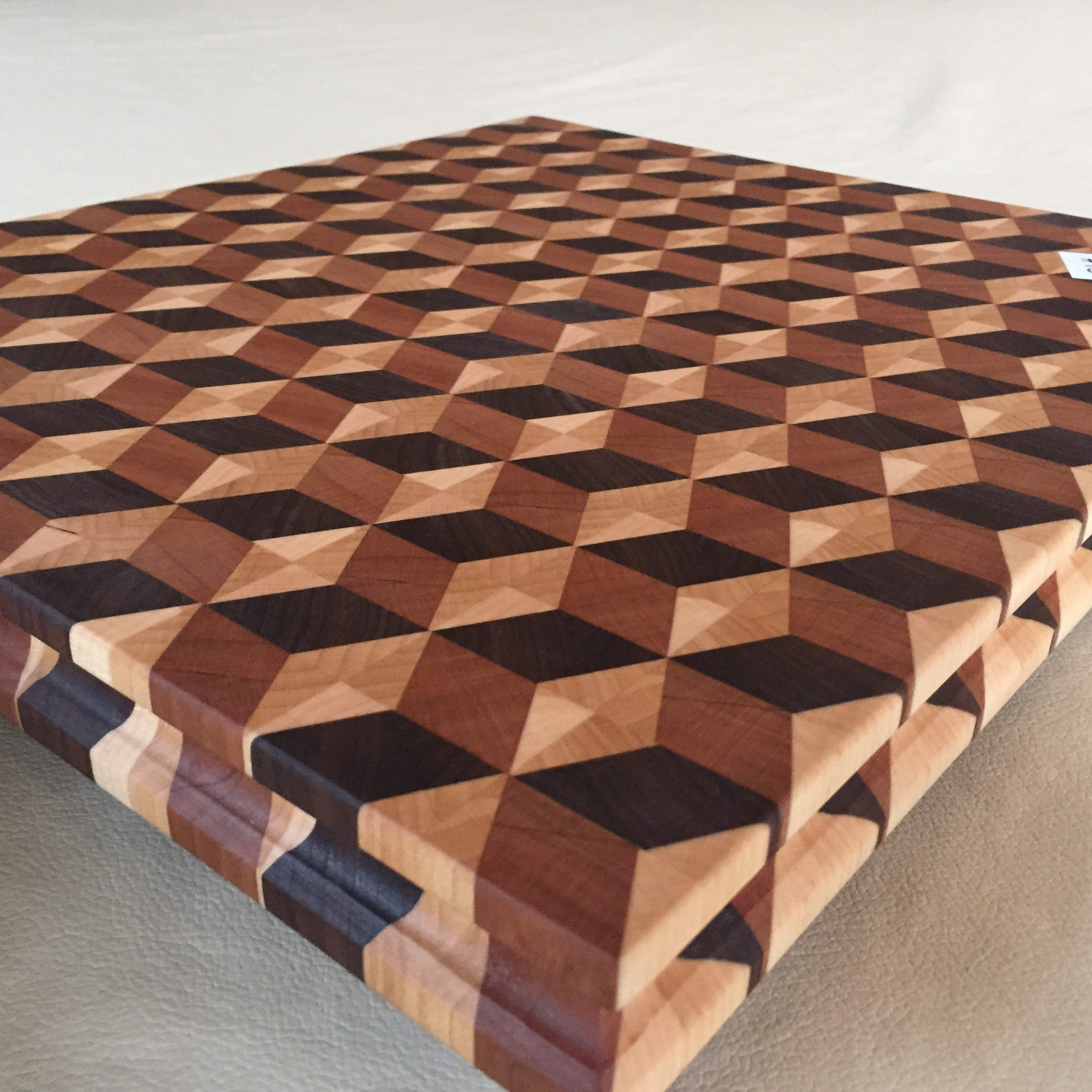#15 Rectangular serving/cutting board 3D illusion