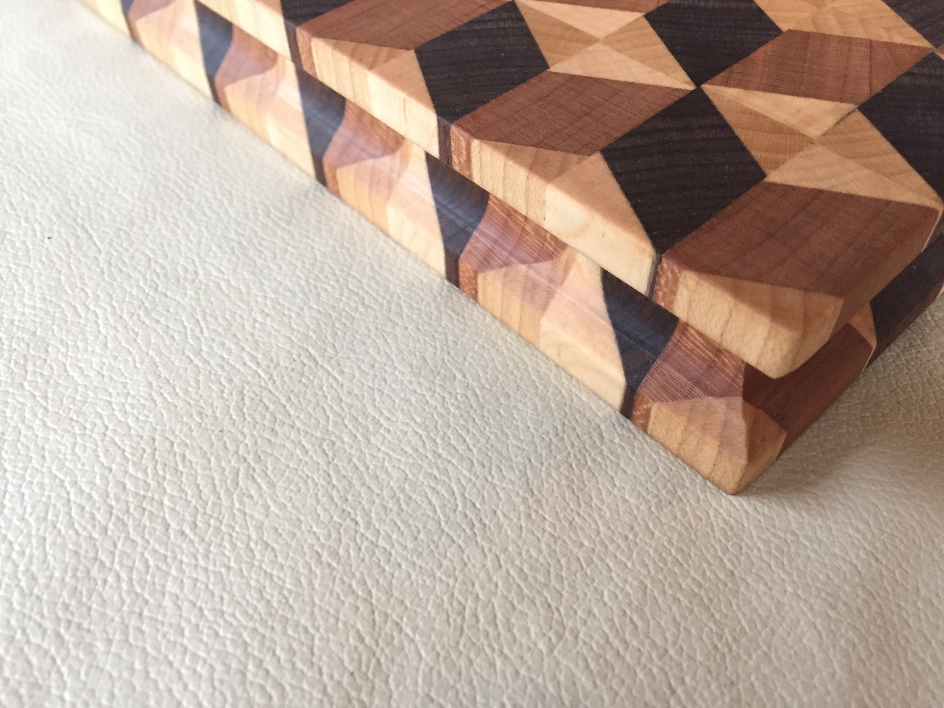 #17 Rectangular serving/cutting board 3D illusion